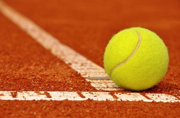 kurzy tenisu